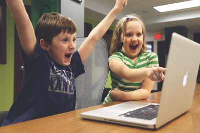 popular online game Minecraft